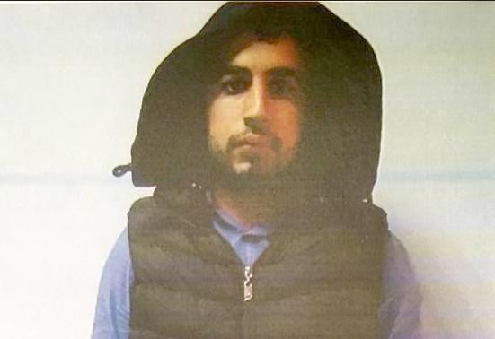 """Hakimin aracına """"PKK"""" yazıp kaçarken yakalandı"""