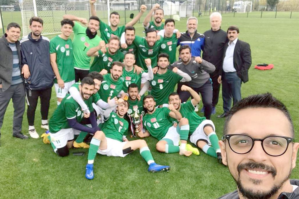 Çukurova Üniversitesi Erkek Futbol Takımı Şampiyon