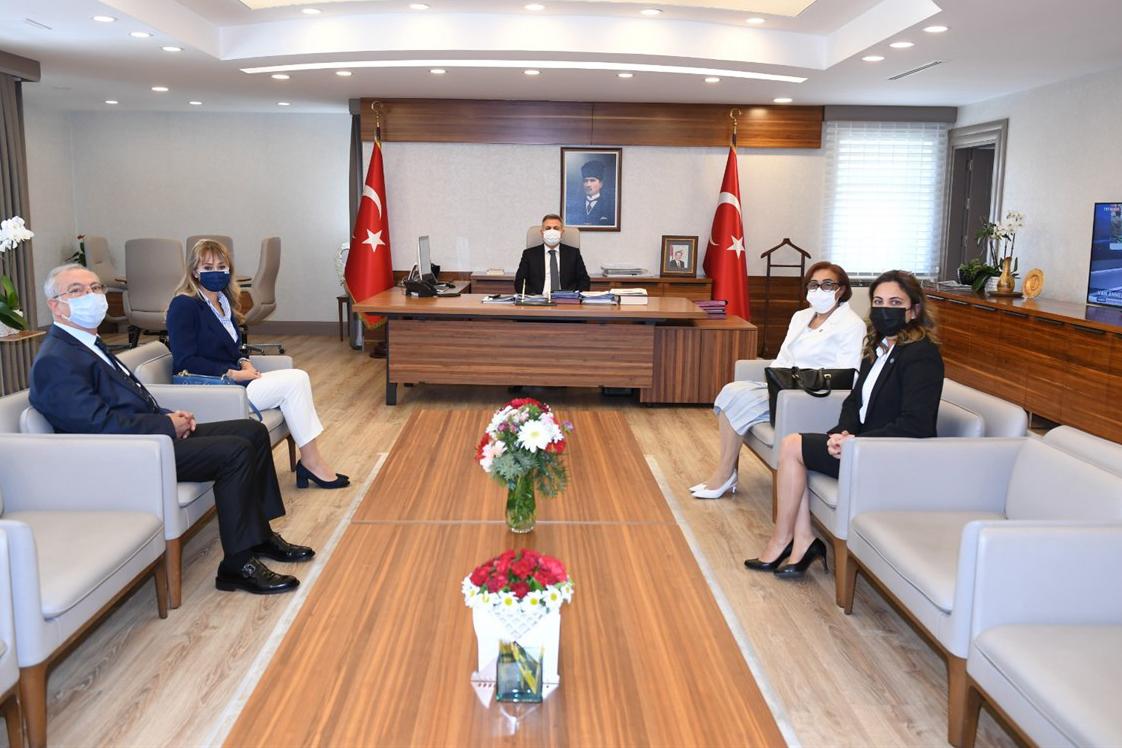 Adana Koleji temsilcileri Vali Elban'ı ziyaret etti