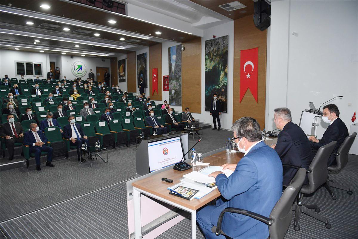 Vali Elban: 344 projeden 26 proje tamamlandı