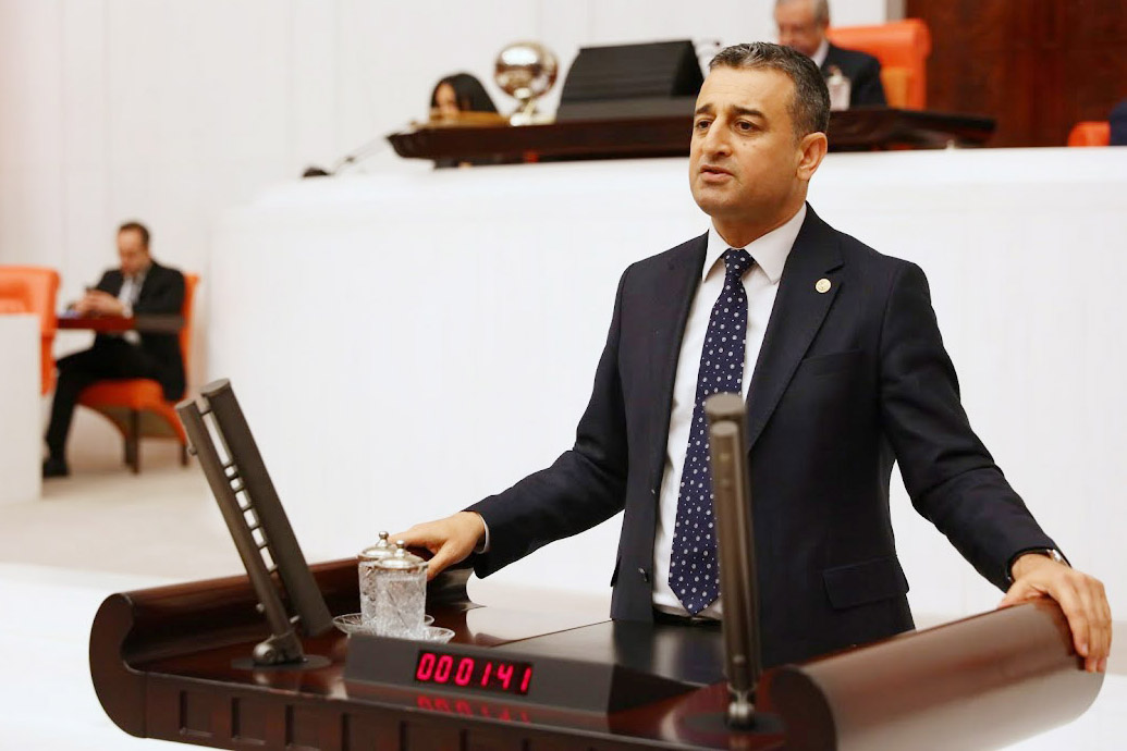 Bulut, Adana'daki toplu balık ölümlerini Meclis'e taşıdı