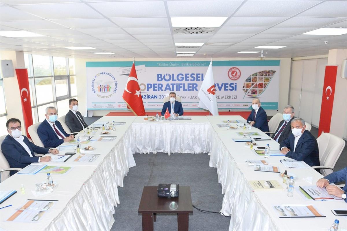 ÇUFAŞ Yönetim Kurulu toplantısı Vali Elban başkanlığında yapıldı