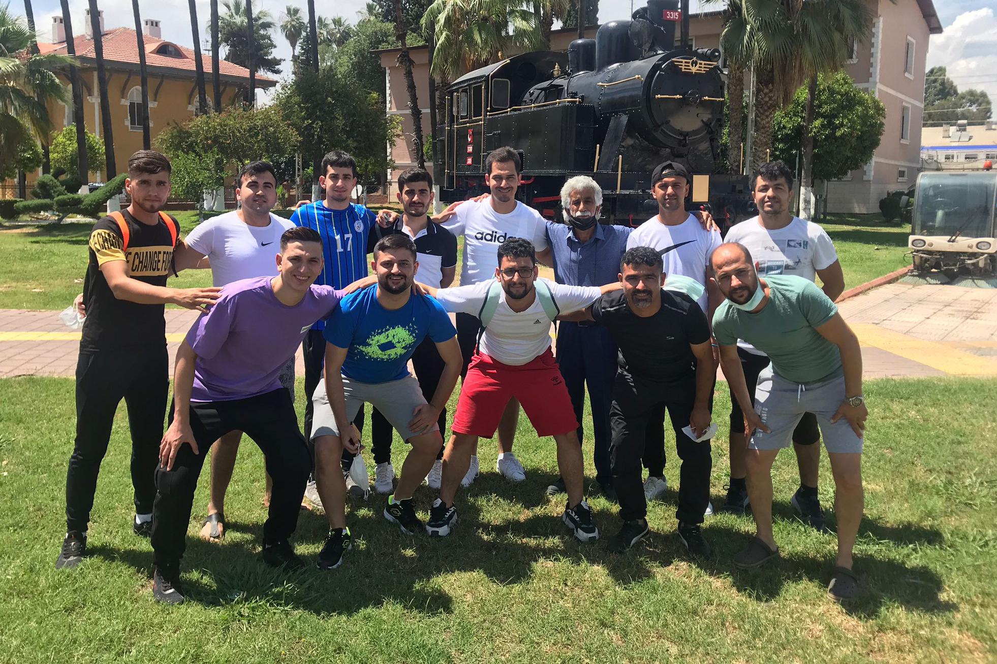 Kurttepe Sağırlar Gençlik Spor Futbol Takımı finaller için Kayseri'ye gitti