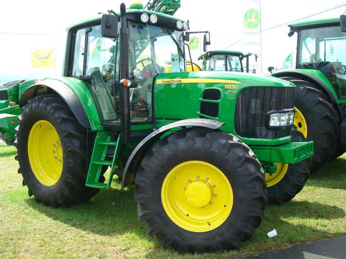 John Deere marka traktör icradan satılıktır