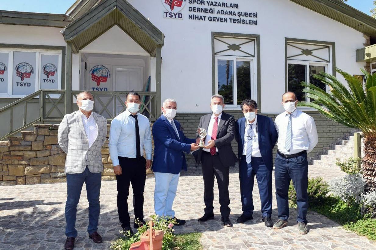 TSYD'den Vali Elban'a teşekkür plaketi