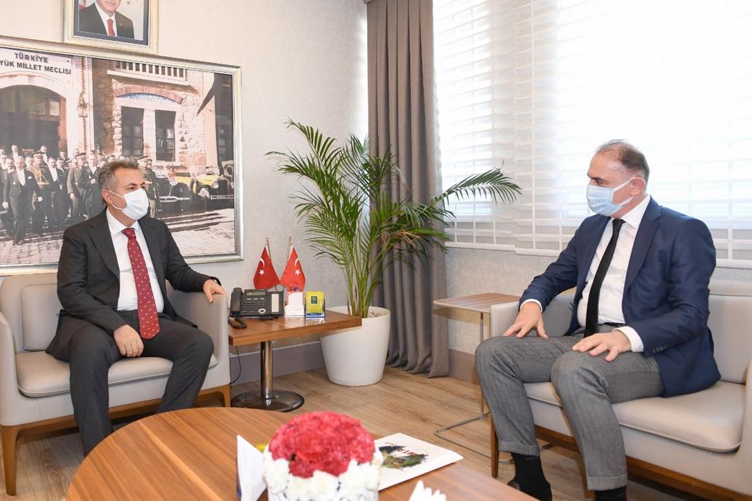 Doç.Dr.Yasin Erdoğan Vali Elban'ı ziyaret etti