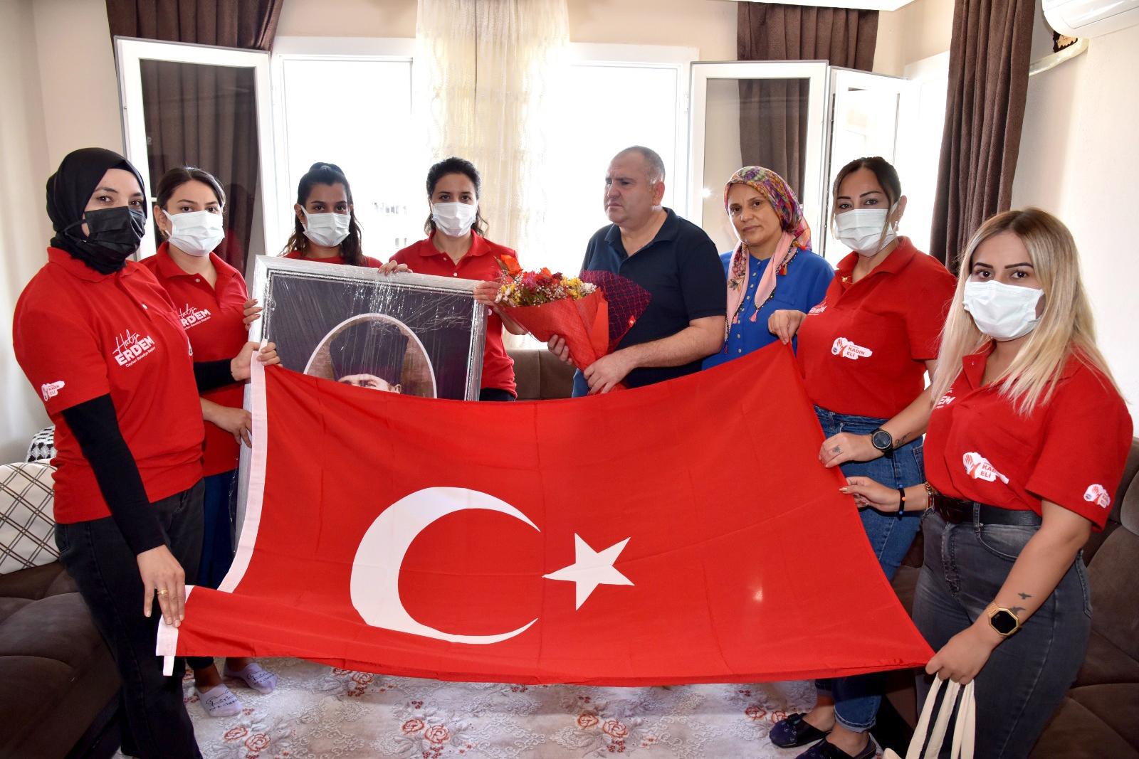 Kadın eli ekipleri Gazileri unutmadı